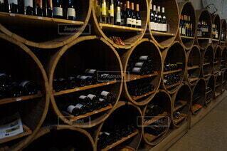 スイスの酒蔵の写真・画像素材[3846291]