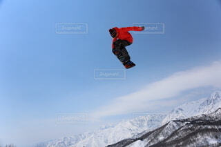 冬,雪,ジャンプ,モノクロ,スキー,運動,スノーボード,ウィンタースポーツ,雪国,エクストリームスポーツ,北国,白馬村,スキージャンプ,スタント,ボードスポーツ,個人競技,スロープスタイル