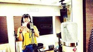 レコーディングスタジオにて自撮りの写真・画像素材[3871153]