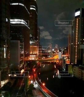 ホテルから見える大阪夜景の写真・画像素材[4070823]