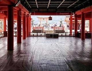 厳島御本社からの大鳥居風景の写真・画像素材[3875121]