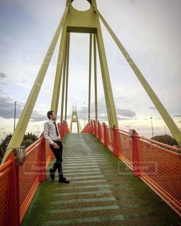 水の体の上の橋 - No.1203981