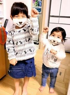 可愛いマスクの幼児達の写真・画像素材[3962219]