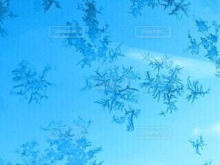 結晶と青空の写真・画像素材[3899436]