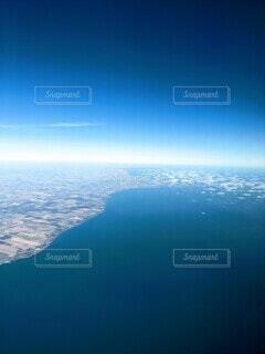 エリー湖西端、左側はミシガン州デトロイトの写真・画像素材[3899442]