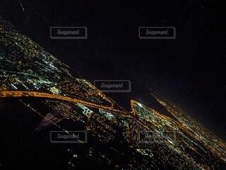 アメリカのハイウェイを上空から夜景で斜めにの写真・画像素材[3916148]