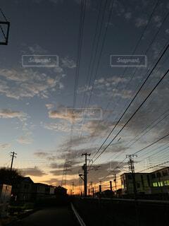 空,屋外,雲,樹木,電気,電線路,電源供給