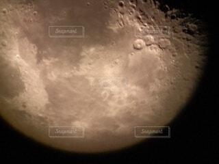 夜空の月クローズアップの写真・画像素材[4000173]