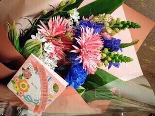 花,花束,青い花,サプライズ,卒業式