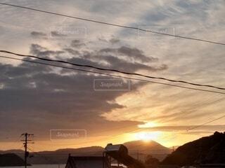 町の朝焼けの写真・画像素材[3888947]
