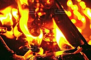 暖炉の暖かさの写真・画像素材[3902691]