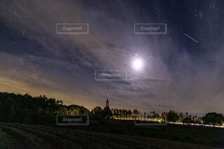月と星空と教会と。の写真・画像素材[3923324]