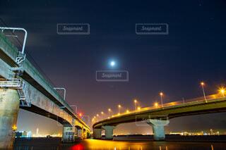夜のセントレア大橋の写真・画像素材[3924230]