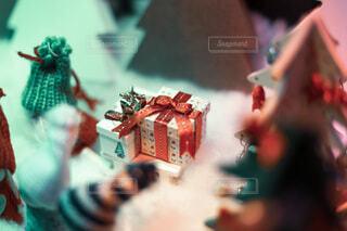 クリスマスの小さなプレゼントボックスの写真・画像素材[3926094]