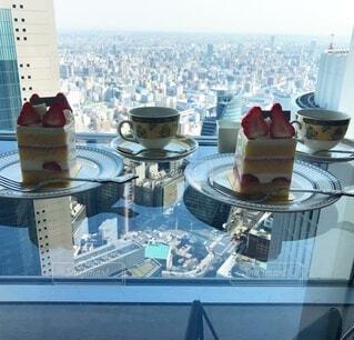 高層階で頂くいちごのショートケーキの写真・画像素材[3981276]
