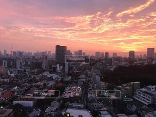 空,建物,屋外,ピンク,朝日,雲,都市,タワー,都会,高層ビル,正月,お正月,日の出,新年,初日の出