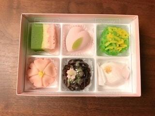 食べ物,風景,春,屋内,ピンク,和菓子,たくさん,甘い,おいしい,あんこ,桃色,レシピ,練り切り,トレイ,若草色