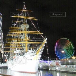 冬の夜の日本丸の写真・画像素材[3943272]