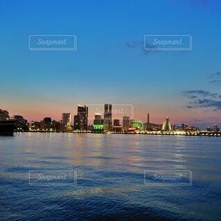 みなとみらいの夕景の写真・画像素材[4816542]