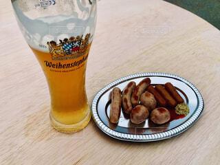 ドイツビールとソーセージの写真・画像素材[3918939]