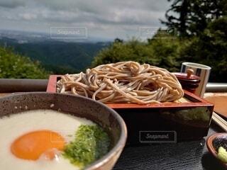 高尾山から見下ろしながら食べる蕎麦は最高の写真・画像素材[3900794]