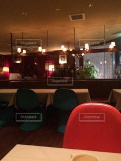 インテリア,赤,椅子,テーブル,お店,照明,店内