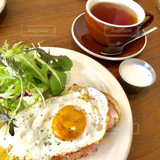 クローズ アップ食べ物の皿とコーヒー カップの写真・画像素材[1145686]