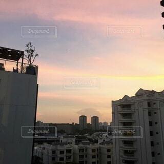 風景,空,建物,ピンク,朝日,雲,黄色,オレンジ,朝焼け,都会,正月,お正月,日の出,新年,初日の出