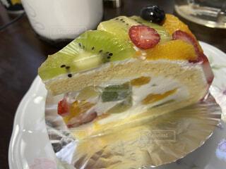 食べ物,飲み物,ケーキ,フルーツ,果物,皿,ブルーベリー,キウイ,料理,甘味,おいしい,フルーツケーキ,グレープフルーツ,ホイップクリーム,出前,誕生日ケーキ,菓子,さっぱり,宅配,テイクアウト,ご褒美,イチゴ,デリバリー,お持ち帰り,食べやすい