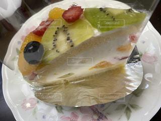 食べ物,飲み物,ケーキ,デザート,フルーツ,果物,皿,休憩,ブルーベリー,ティータイム,キウイ,料理,甘味,おいしい,フルーツケーキ,グレープフルーツ,ホイップクリーム,出前,誕生日ケーキ,菓子,さっぱり,宅配,テイクアウト,ご褒美,イチゴ,デリバリー,お持ち帰り,食べやすい