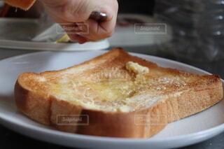 朝はパンの写真・画像素材[4143946]