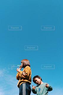 広い空の下での1枚の写真・画像素材[4546139]
