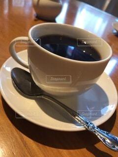 コーヒー,屋内,テーブル,スプーン,茶碗,マグカップ,食器,カップ,紅茶,ドリンク,調理器具,カフェイン,食器類,受け皿,たんぽぽコーヒー