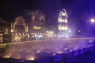 草津温泉湯畑のライトアップの写真・画像素材[4066297]