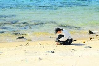 海岸の女の子の写真・画像素材[3974884]