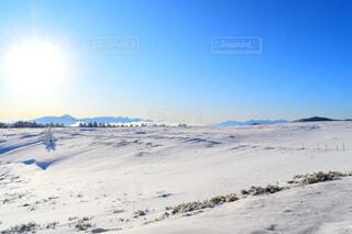 雪山でみる朝日の写真・画像素材[4151230]