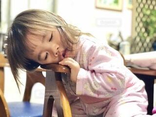 まったりしすぎて寝落ち😂の写真・画像素材[4016238]