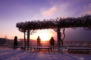 空,雪,屋外,太陽,朝日,雲,影,正月,お正月,日の出,新年,初日の出,2021