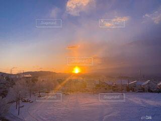 自然,空,雪,屋外,太陽,朝日,雲,正月,お正月,日の出,マジックアワー,新年,初日の出,2021