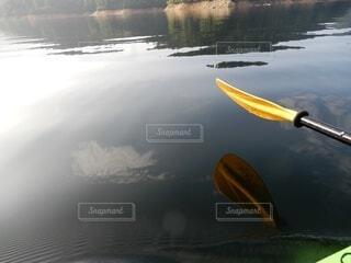 湖面に反射の写真・画像素材[3939008]