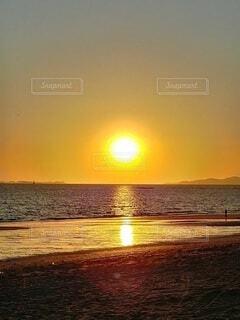 自然,風景,海,空,屋外,太陽,朝日,ビーチ,砂浜,水面,正月,お正月,地平線,日の出,新年,初日の出