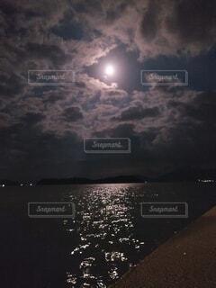 十五夜の写真・画像素材[4895512]
