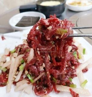 食べ物,食事,白,フード,デザート,皿,梨,肉,料理,韓国,おいしい,ユッケ,飲食,アサツキ