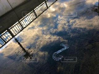 空,雲,水面,景色,反射,朝,水溜り,雨上がり