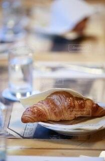 本番パリのクロワッサンの写真・画像素材[3942097]