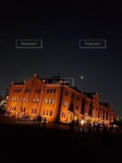 夜の赤レンガ倉庫の写真・画像素材[3945608]