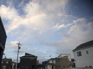 曇り空のある家の写真・画像素材[3955388]