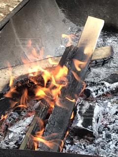 火のオーブンのクローズアップの写真・画像素材[4011663]