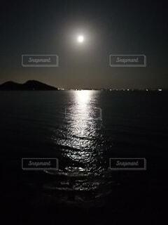 フルムーンロードの写真・画像素材[3946622]
