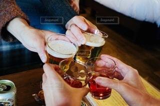 家族で乾杯の写真・画像素材[3957459]